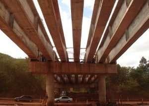 Viaduto BR 040 DSC02986 300x214 infraestrutura Obras viárias, infraestrutura e artes especiais DSC02986 300x214